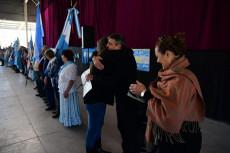 LOS ABUELOS DEL HOGAR DE DIA PARTICIPARON DE UN ENCUENTRO Y PROMETIERON SU LEALTAD A LA BANDERA